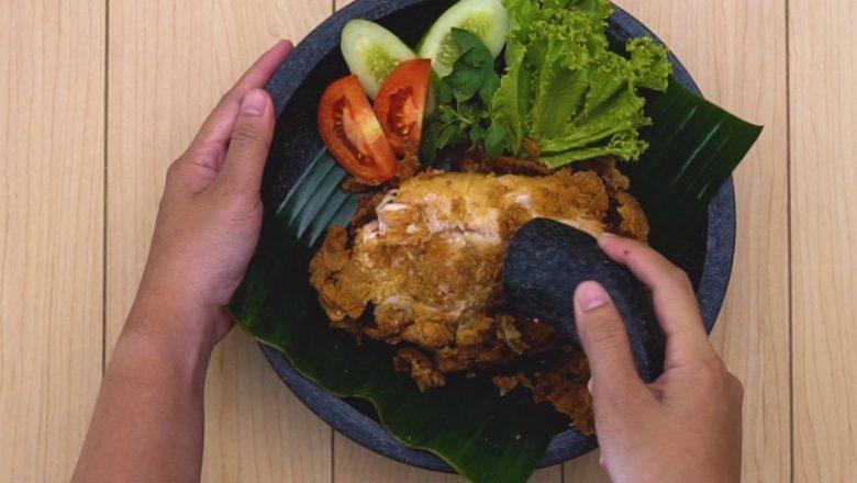 Ayam Geprek Lada Hitam