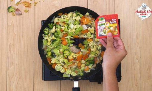 masukkan semua sayuran dan Royco Kaldu Ayam