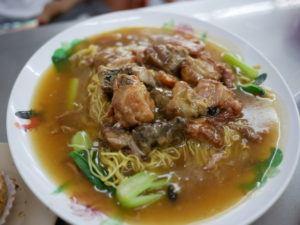 5 Kuliner Khas Makassar yang Jadi Teman Ketupat Lebaran