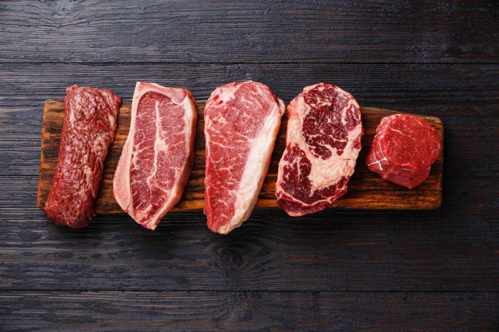 cara makan steak dimulai dari pemilihan daging