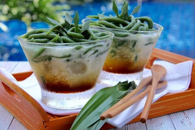 makanan tradisional di antaranya adalah cendol