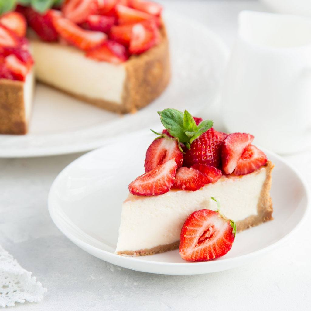 Cheese cake khas Amerika dengan buah strawberry.