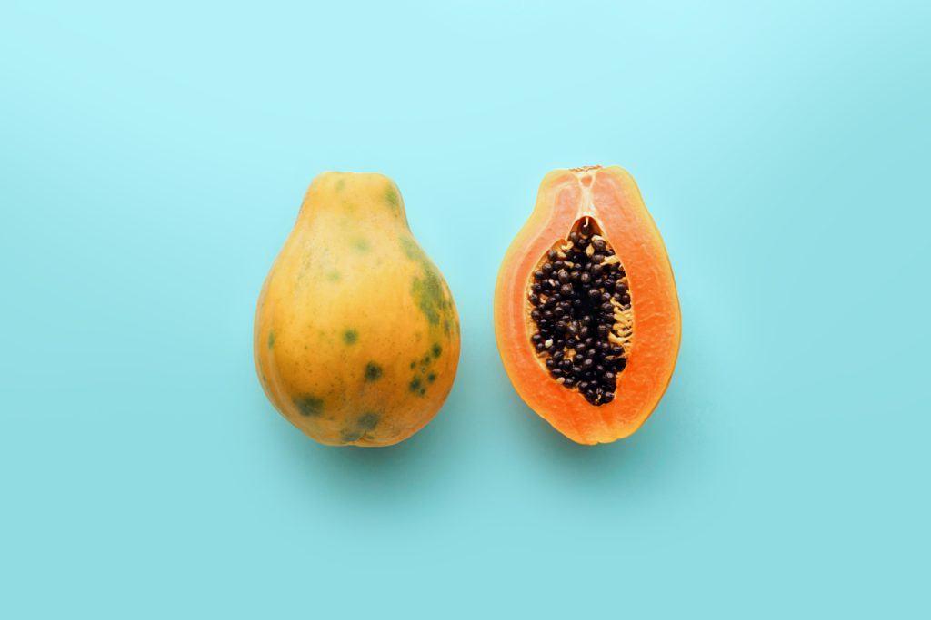 Pepaya adalah salah satu makanan diet dalam bentuk buah.