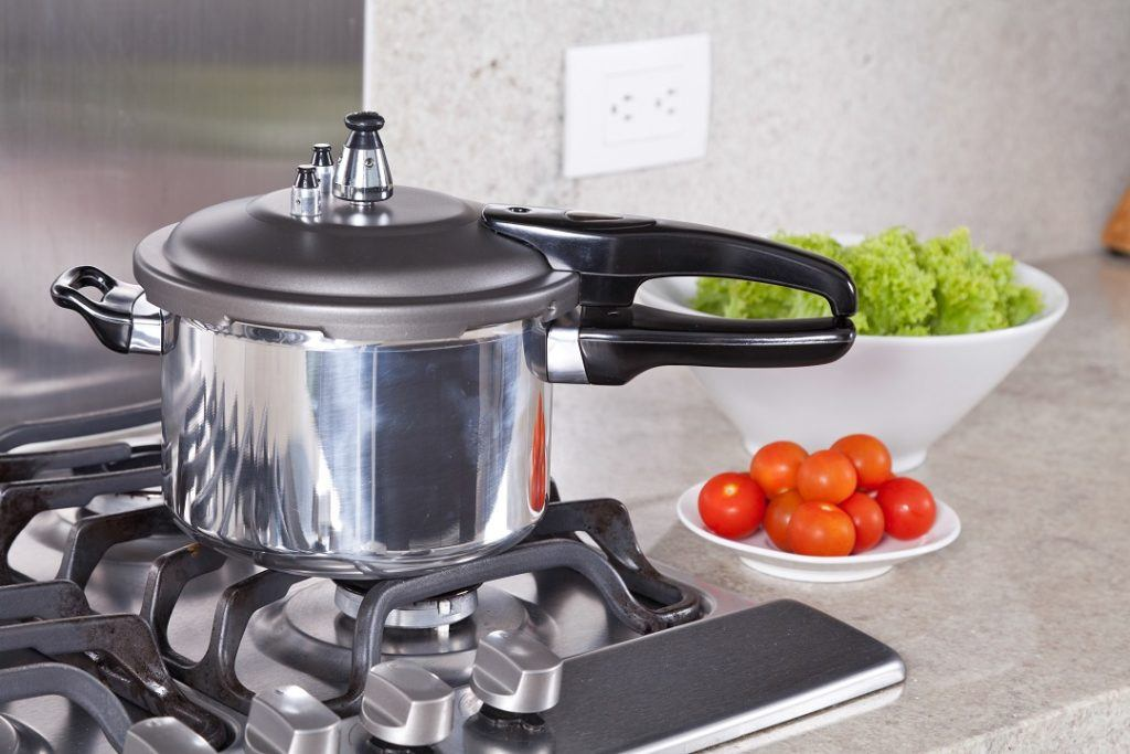 Sup buntut, gulai ayam kampung dan sup iga adalah masakan yang cocok dimasak dalam panci presto.