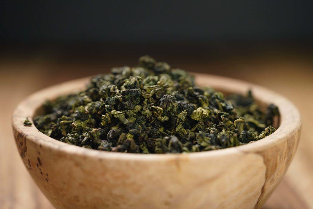 Teh oolong berbeda dengan teh hijau.