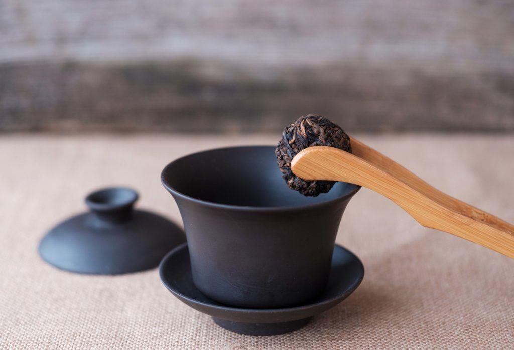 Teh pu'er dan teh hijau berasal dari China.