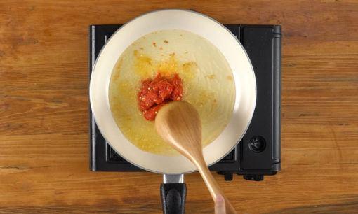 membuat sambal untuk terong balado crispy