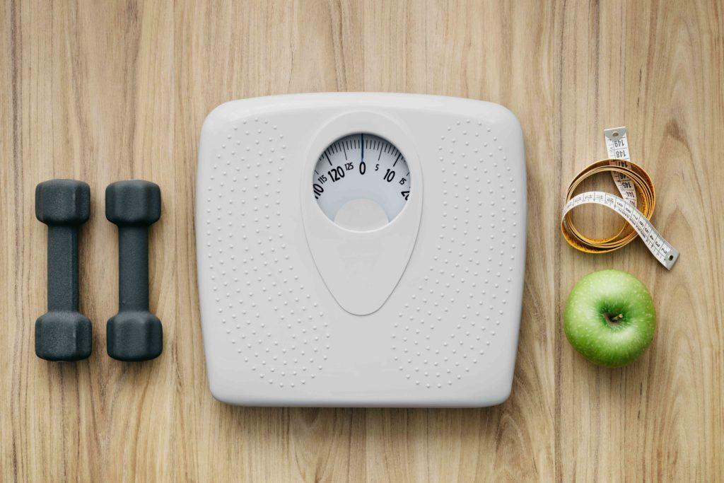 Timbangan akan bantu turunkan berat badan.