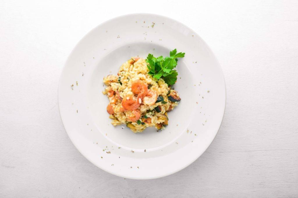 Cara membuat risotto dengan udang.