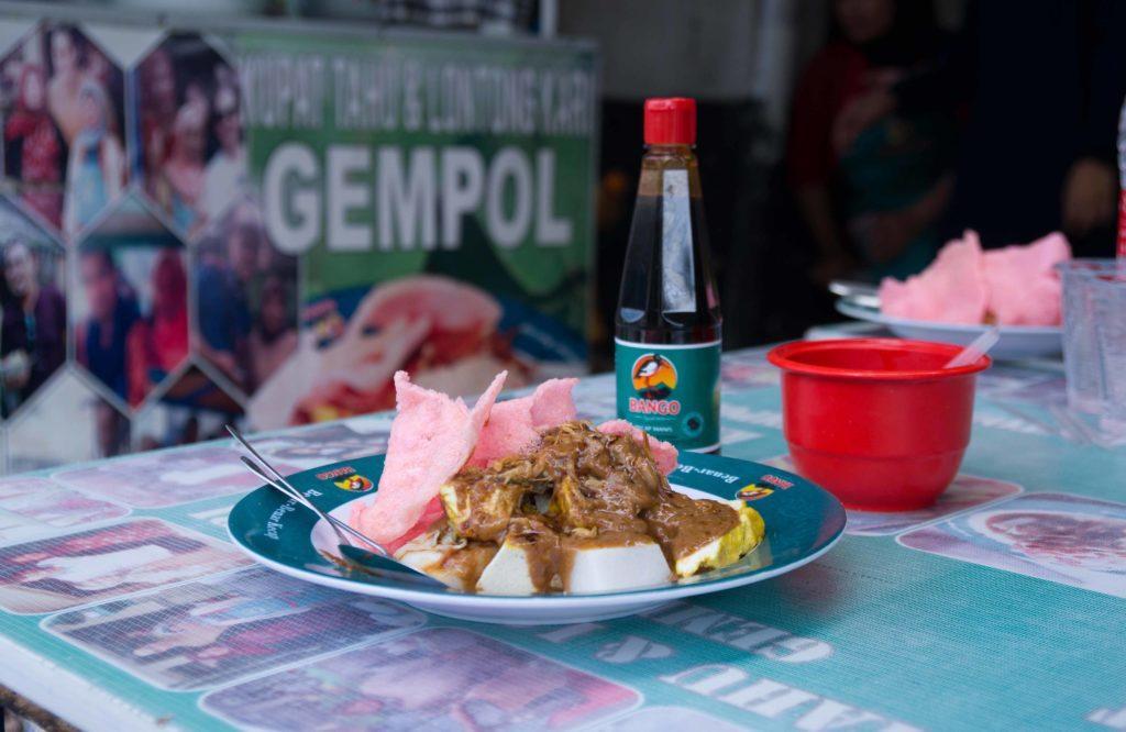Kuliner Indonesia Kupat Tahu.