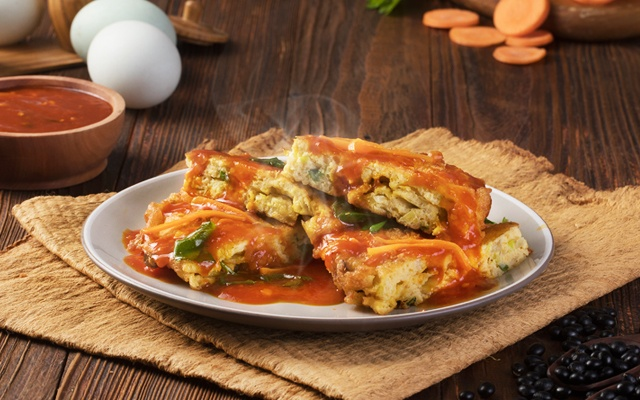 Telur Fuyunghai ala restoran - Masak tanggal tua