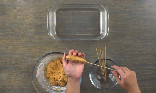 Membuat sate Sempol Ayam Bumbu Rujak.