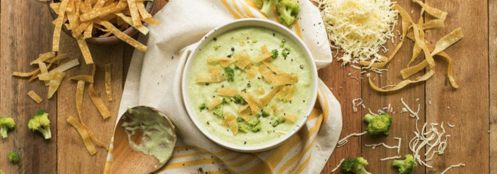 Sup Krim Ayam Brokoli tersaji.
