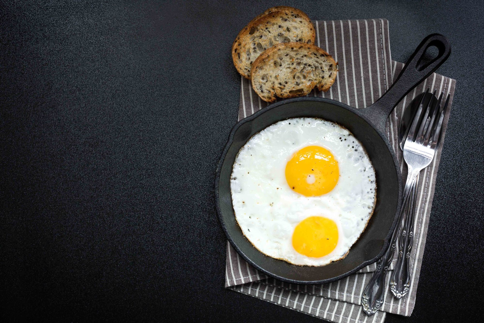 Langkah Mudah Membuat Telur Mata Sapi Masak Apa Hari Ini