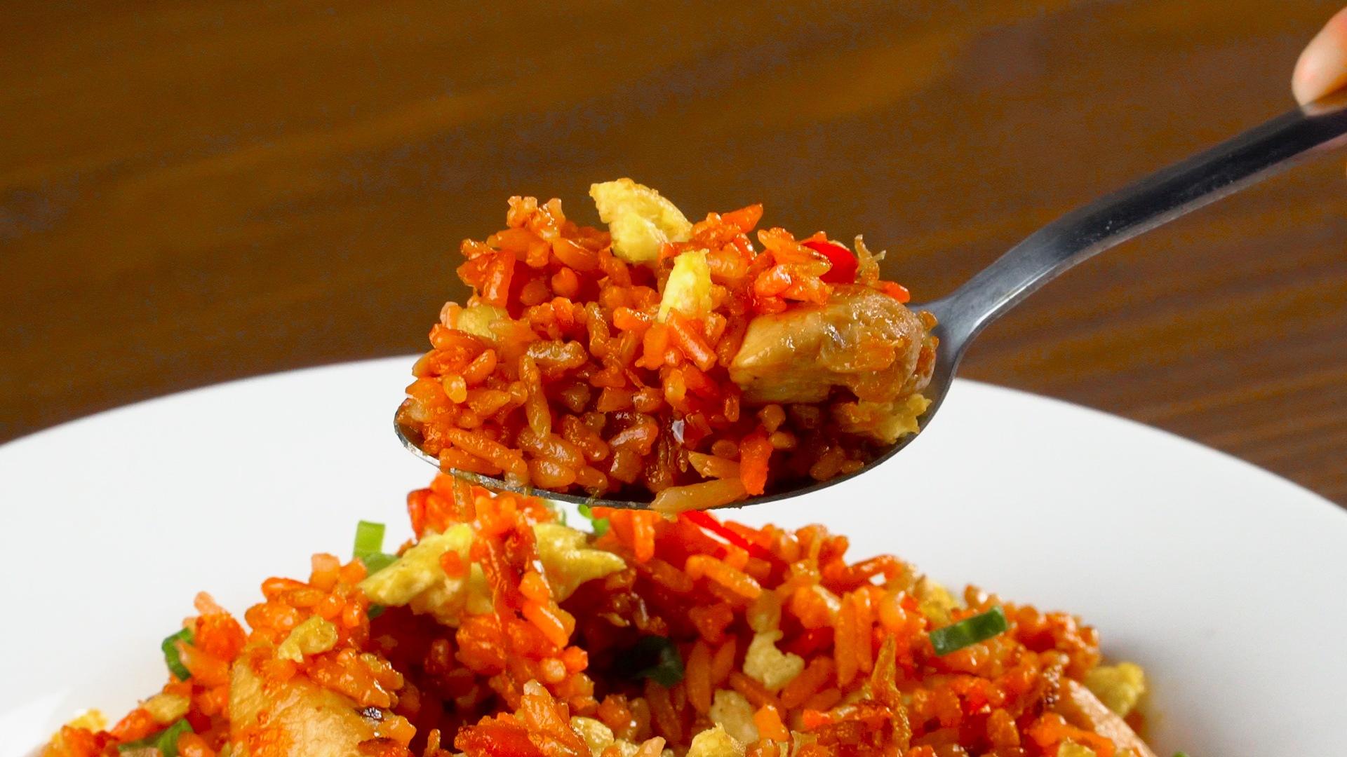 Resep Nasi Goreng Merah Khas Makassar - Masak Apa Hari Ini?