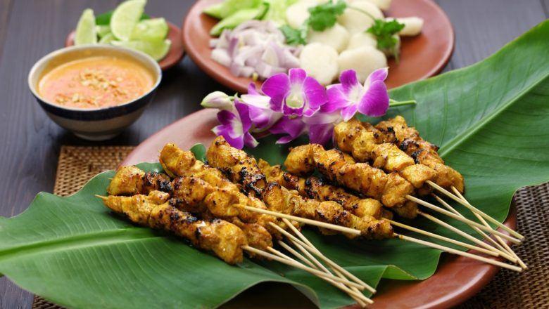 Sate Ambal, sate ayam khas Kebumen.