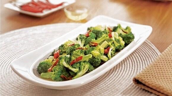 Tumis Cabai Brokoli nikmat tersaji hangat.
