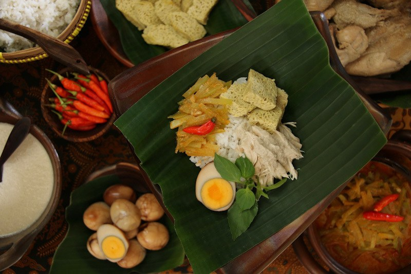 Wisata kuliner Jogja dan Solo, Nasi Liwet Solo.