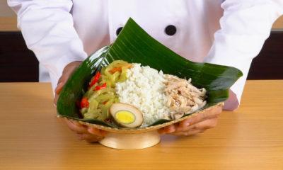 Nasi liwet Solo tengah disajikan.