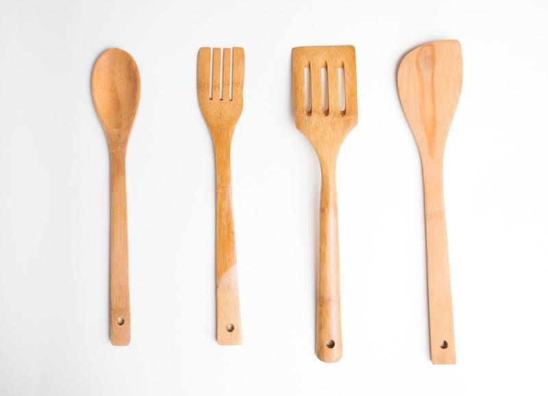 Sutil kayu berbagai bentuk.