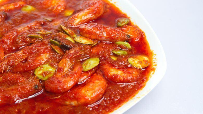 sepiring sambal udang khas Padang