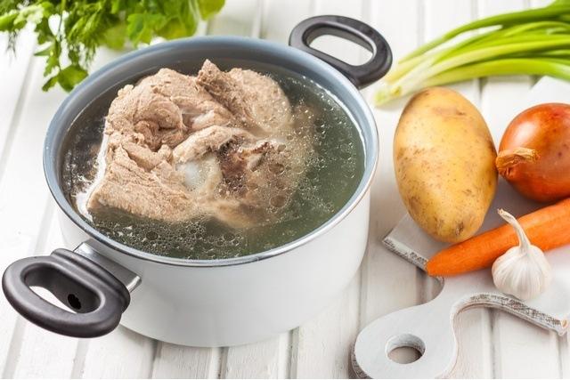 Rebusan daging dengan lemak ini bisa dijadikan sebagai kaldu resep gulai.