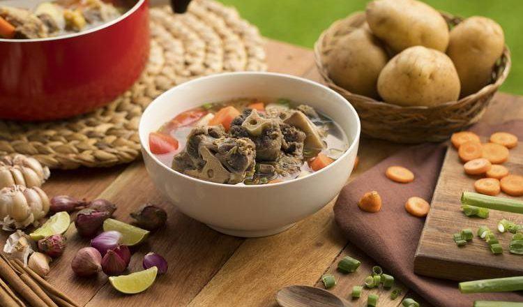 Sup Buntut Kuah Bening Menu Spesial