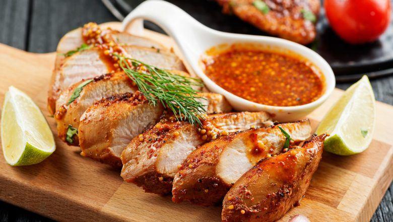 Sajian ayam panggang taoco.