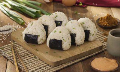 Sajian onigiri yang siap disantap.