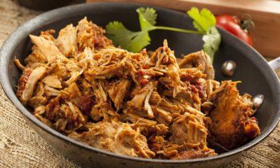 Hasil dari resep empal daging yang disuwir agar mudah disantap dengan sambal pedas.