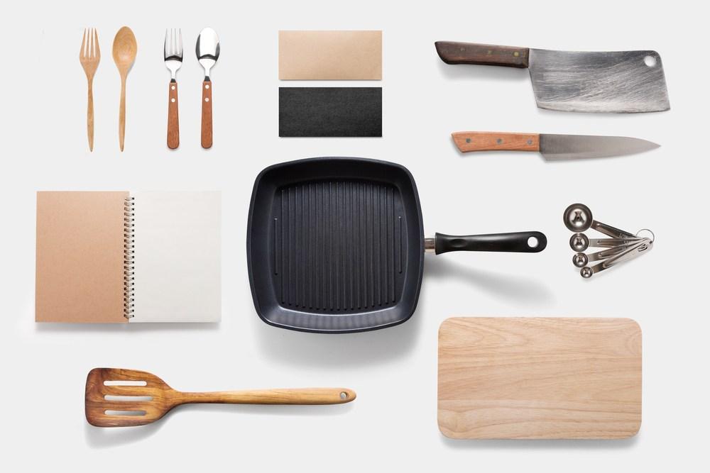 Beragam kebutuhan dapur sebagai modal belajar masak untuk pemula.