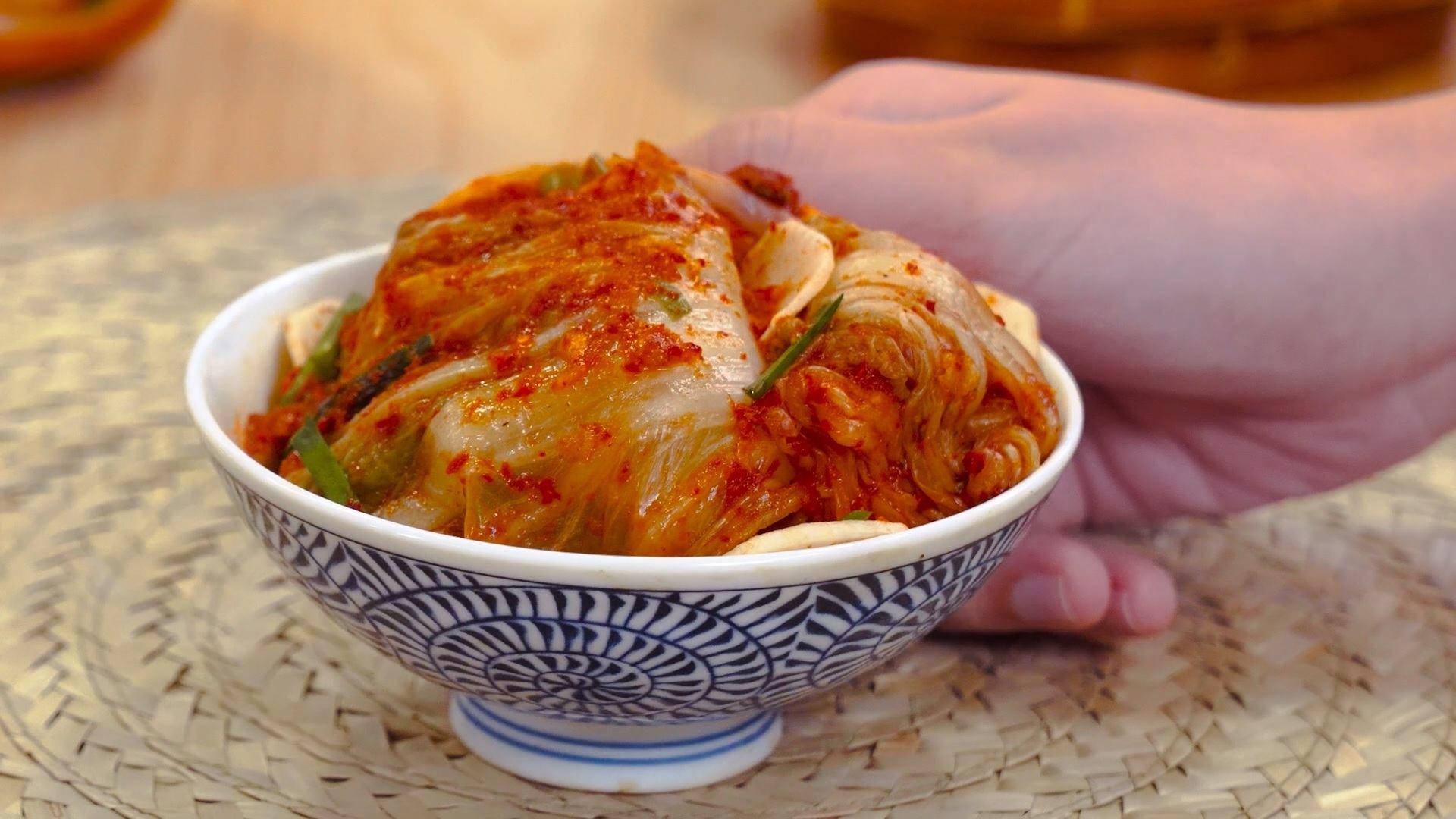Kimchi siap disajikan.