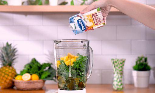 Menambahkan Buavita sebagai bahan Jus Kale.