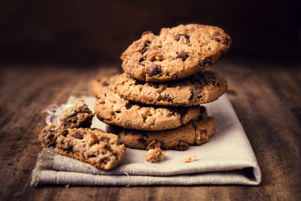Cookies yang dibuat dari shortening tengah ditumpuk.