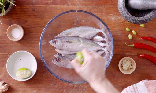 Baluri Ikan dengan Jeruk Nipis