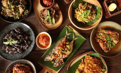 Sajiakn makanan khas daerah dari seluruh Indonesia