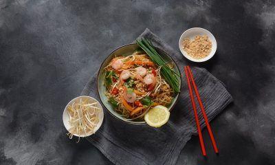 Selain dengan daging sapi, coba juga pad thai dengan daging ayam atau udang.